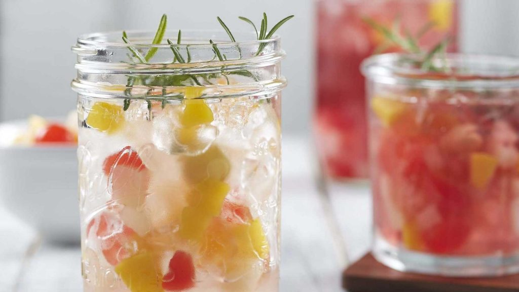 Iced Water Punch con Frutas